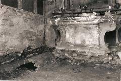 Tomba rinvenuta durante gli scavi per la rimozione del pavimento.